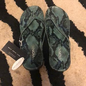 Brand new Vionic sandals